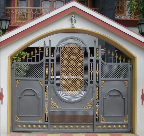 Royal entry gate cast iron gates decorative gates front for Main entry gate design